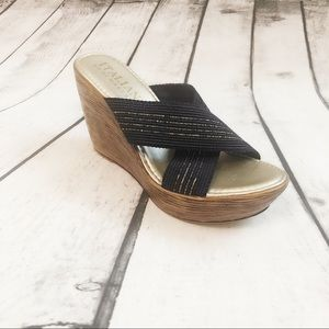 ITALIAN SHOEMAKERS Blue and Gold Wedge shoes